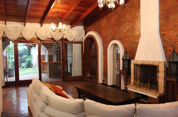 Casa Colonial Una Sola Planta Rohrmoser
