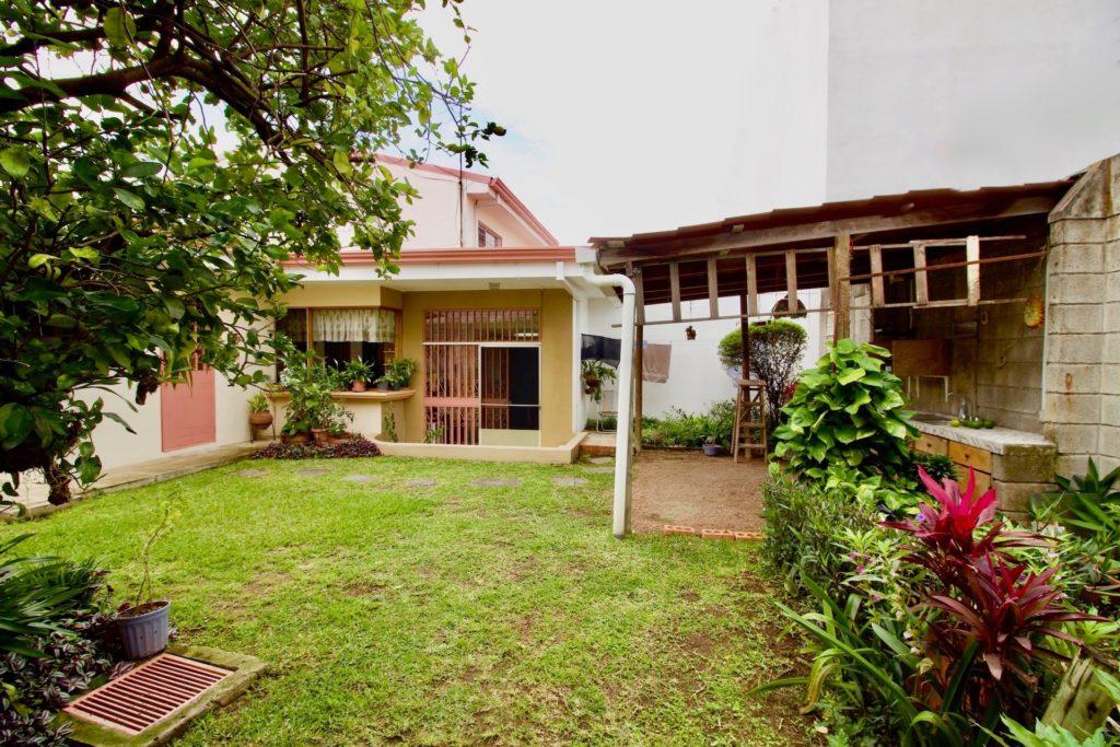 Casa Rohrmoser con Jardín Amplio