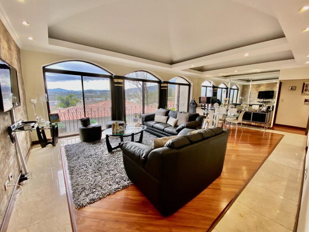 Venta Apartamento Cerro Alto