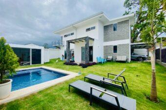 Escazú Casa con piscina